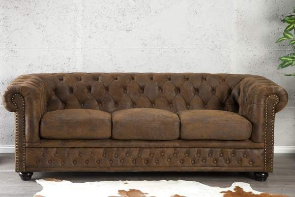 Chesterfield 3 Szemelyes Antik Barna Kanape Lakberendezes Otthon Otthondekor Homedecor Homedecorideas Homedesign Furnis Sofa Couch Styling Couch Design