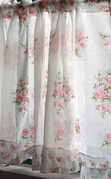 237 best images about curtains on pinterest window for Tapis shabby chic