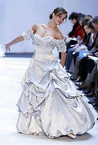 victorian era wedding dresses: Wedding Dressses, Ball Gowns Wedding, Dresses Fashion, Wedding Gowns, Dep, Dresses Wedding Az, Victorian Dresses, Victorian Era, Victorian Wedding Dresses
