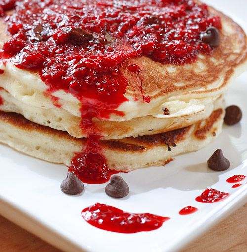rasp chocolate pancakes: Chocolate Pancakes, Raspberries Chocolates, Pancakes Yum, Chocolates Chips, Chips Pancakes, Chocolates Raspberries, Buttermilk Pancakes, Chocolates Pancakes, Nests Projects