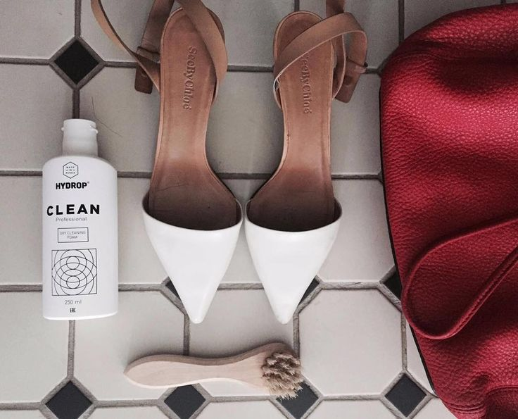 Эдак у нас отпадёт всякая практическая надобность в приобретении новой обуви😱 Во-первых, мы нано-броню теперь на обувь наносим, во-вторых, всю обувь (как и сумки, текстиль) можно почистить до новенького состояния очищающей пенкой Hydrop. Делается в считанные секунды, можно видео посмотреть в @hydrop_ekb ✌🏻️Представляете, красную мягкую кожу очистить, а белые подошвы кроссовок! Фантастика😱