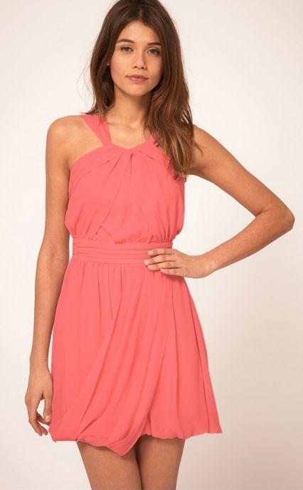 Szyfonowa sukienka w stylu greckim.