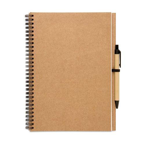 Cuaderno PERÚ. Con cubierta negra o marrón natural con 100 páginas de papel reciclado y un bolígrafo reciclado biodegradable de tinta azul. Desde 2,8 € en www.areadifusion.com