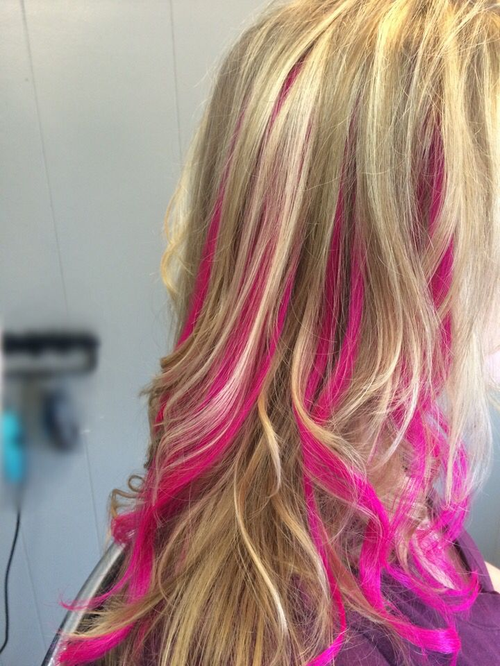Hot pink clip in weft. 4 inches wide, 18 inches of human hair.