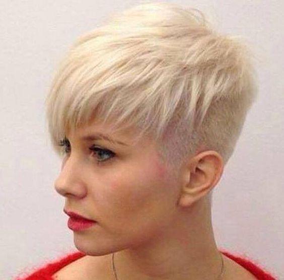 Versuch es doch mal mit einer Frisur mit abrasierten Haaren. An einer oder beide…