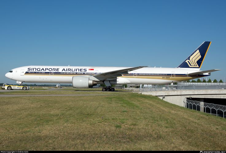 9V-SWH Singapore Airlines Boeing 777-312(ER)