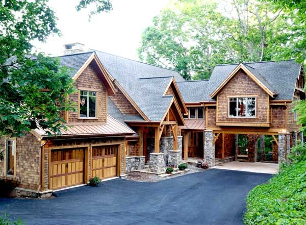 15 best images about rustic wood doors on pinterest wood for Mountain vacation house plans