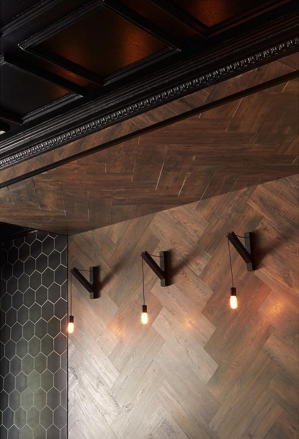 Hout toepassen op de muur is trendy en eyecatching! Houten wandbekleding is verkrijgbaar bij  houten vloeren paleis