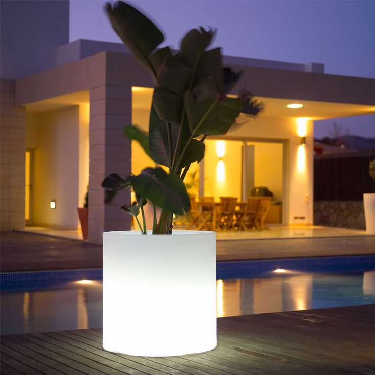 Skyline Cylindro Planter With Light