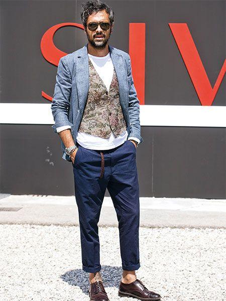 九分丈のパンツにベルトのあしらい。ボトムスのディテールでモダンに見せるこなし | メンズファッションの決定版 | MEN'S CLUB(メンズクラブ)