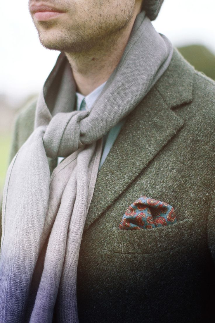 Lemuel MC is a London-based fashion start-up specializing in artisan clothes and accessories. We were founded in 2015 by textile designer Marta Cernovskaja in collaboration with like- minded makers, photographers and creatives. Sustainability does not mean compromise or sacrifice. Our pocket squares and 100% linen range use the highest quality deadstock; which means we use the same materials that luxury brands would otherwise waste.   http://exit29.ca/lemuelmcoflondon/