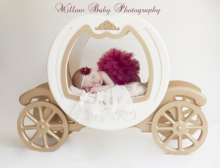 Amazing photo session with Cinderella's carriage and tiny baby girl - fairytale photography - dreams do come true!