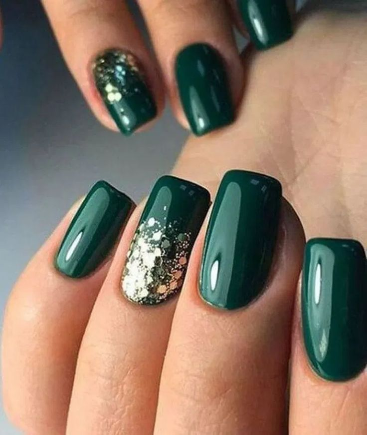 20 Popular Winter Nails Colors to Look Excellent This Season : homedesigndecorideas.com #Popular #Winter #Nails #Colors #Excellent #Season #Fashion #PopularWinterNailsColors #WinterNailsColors #WinterNails #NailsColors #PopularNails