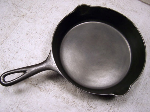 how to keep iron skillet from rusting