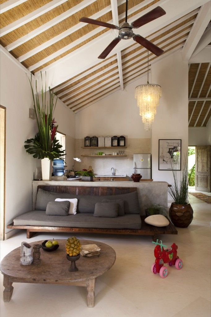 amazing couch - Living room in Bali - FLODEAU©