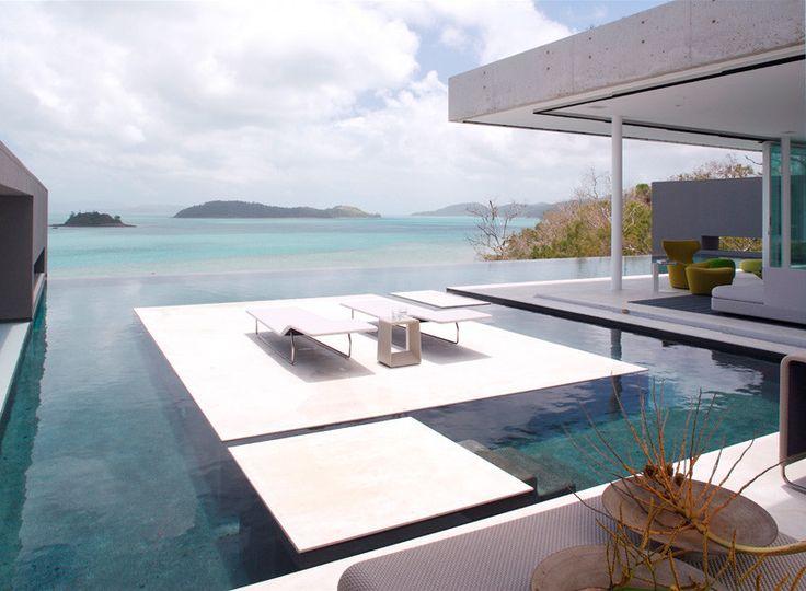 Minimalistisch huis op Hamilton Island met té cool zwembad - Roomed