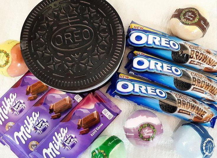 Печенье Oreo в жестяной банке 1390 Печенье Oreo Choco Brownie 190 Шоколад Milka Extra Coca 99 Бомбочка для ванны 99 #wanttasty #магазинкрутыхштук #орео #печенье #шоколад #вкусняшки #бомбочкадляванн #бомбочкидляванны