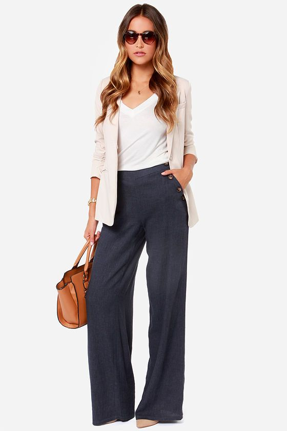 Skyscraper Sweetie Navy Blue Linen Pants. Love the entire outfit.