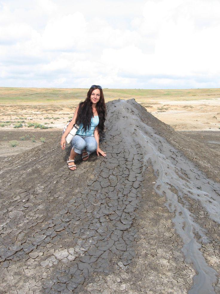Керченские грязевые вулканчики,возле  с. Бондаренково, Керчь