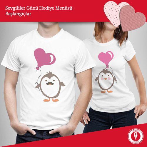 Sevgililer Günü Hediye Menüsü: Başlangıçlar - II Baskılı t-shirtler de güzel bir başlangıçtır. Birbirini tamamlayan tasarımlara sahip bu hediye size eğlenceli dakikalar yaşatabileceği gibi eşe dosta birbirinizi ne kadar çok sevdiğinizi de anlatır. www.gumuskalem.com.tr
