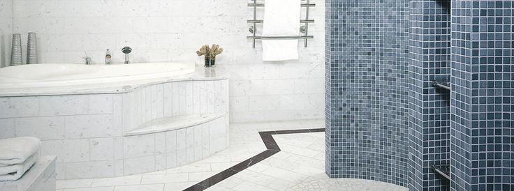 Kylpyhuoneremontit | TaloTalo | Rakentaminen | Remontointi | Sisustaminen | Suunnittelu | Saneeraus #kylpyhuone #moderni #valkoinen #bathroom #modern #white #talotalo