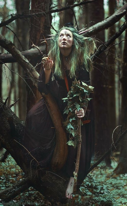 Girl In Woods Wallpaper Image De Celtic Nature And Pagan Witch Aesthetic