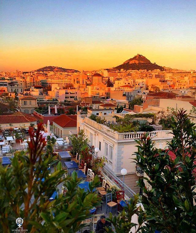 💙 The beautiful sunset in Athens, Greece. #greece #hellas #athens #parthenon #acropolis #greek #greeks #greeklife #ilovegreece #greekgirl #ελλάδα Photo by @mfashionbeauty