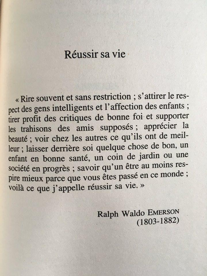Ralph Waldo Emerson, né le 25 mai 1803 à Boston (Massachusetts) et mort le 27 avril 1882 à Concord (Massachusetts), est un essayiste, philosophe et poète américain, chef de file du mouvement transcendantaliste américain du début du XIXe siècle.
