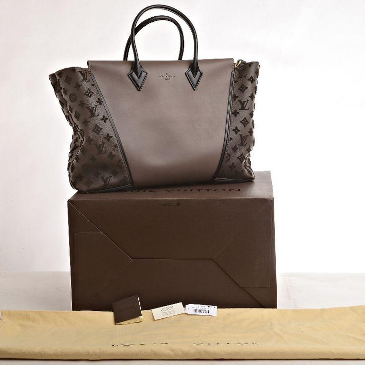 Louis Vuitton Gris Monogram Veau Cachemire W GM image 9