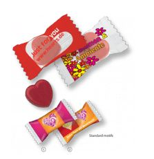 Caramelle pubblicitarie a forma di cuore, confezionate singolarmente con incarto flowpack personalizzato, standard bianco o trasparente. Promotional heart shape candies in individual personalized white or transparent flowpack packaging #heart #incap #whatsyourflavour #whatsyourcandy #sweet #candy #food #foodporn #foodsweet #pack #fresh #personalized #custom #customized #promo #promotional