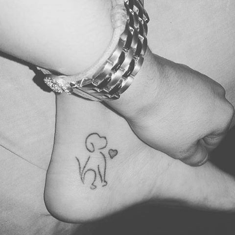 Who else has a #tattoo that represents your love for your pet? @nana18alvarado ❤️ #justsmalltattoos Más