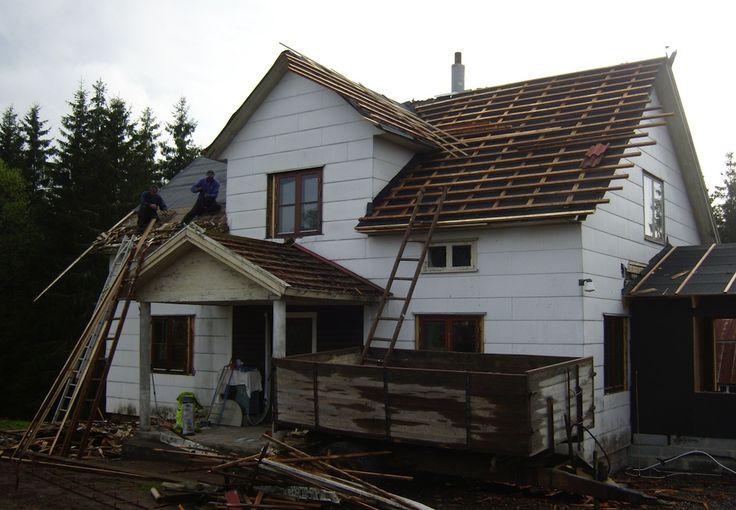 Land.se skriver om Anders Krasse som renoverade huset gratis.