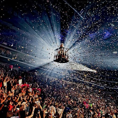 The epic legit finale of the Speak Now World Tour!! Ending song was Lovestory!
