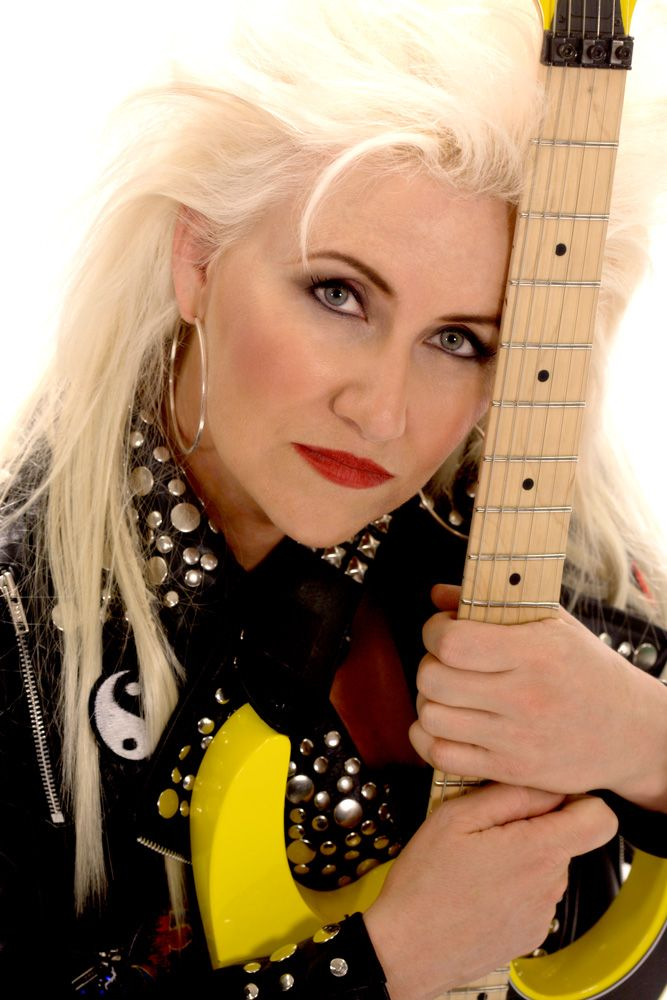 Jennifer Batten American Guitarist Who Has Worked Also With Michael