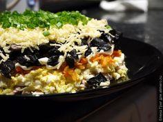 Салат слоеный с курицей / Рецепты с фото