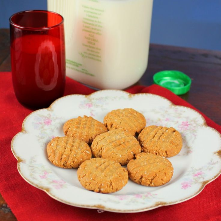 gluten-free and sugar-free peanut butter cookies