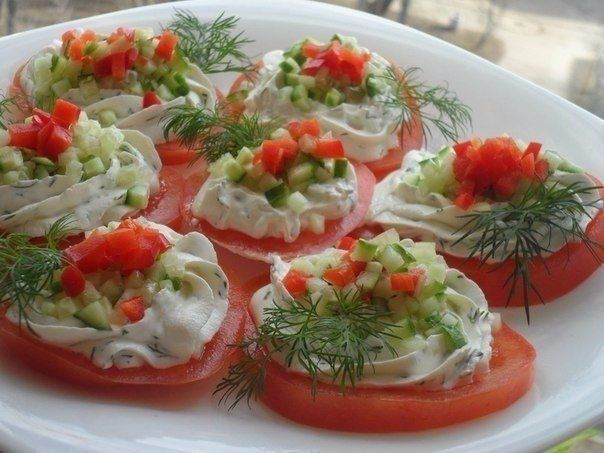 Tomatoes with cheese and garlic