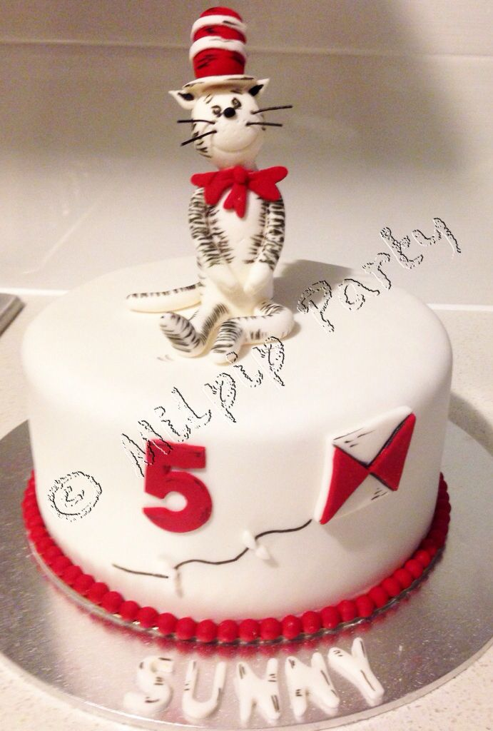 Dr Suess Cake