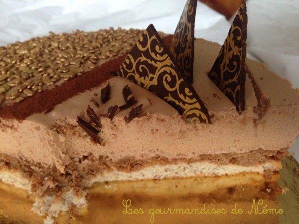 entremet caramelia chocolat valrhona, entremet au chocolat de noel, dessert de noel, dessert de noel au chocolat, entremet de noel, dessert de noel buche, decor en chocolat