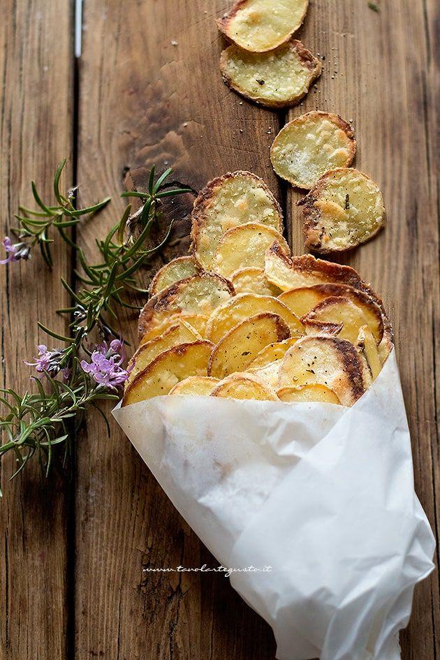 Chips di patate (croccanti al forno) Ricetta in 10 minuti!