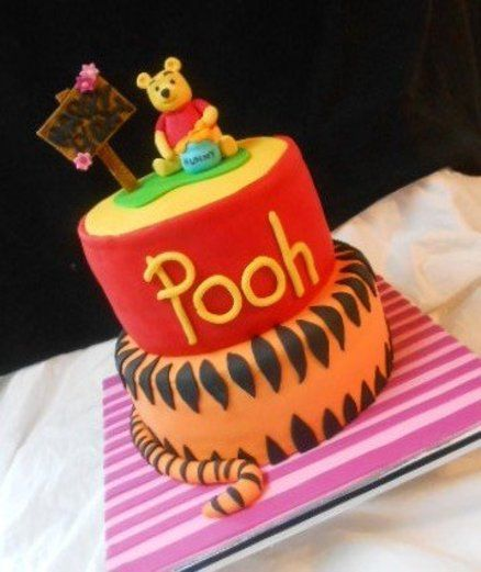 Winnie the Pooh birthday cake - by heather369 @ CakesDecor.com - cake decorating website