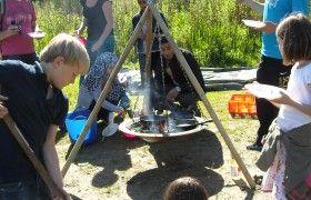 Natuurspeeltuin de Natureluur. Deze plek combineert de natuur van het Sloterpark met spannende speeltoestellen.  Kinderen kunnen spelen met en in het water, meer leren over planten en beesten die leven in het Sloterpark en op een speelse manier het park kunnen verkennen en gebruiken. De speeltuin is openbaar toegankelijk. Daarnaast worden er een aantal activiteiten georganiseerd in de Natureluur.