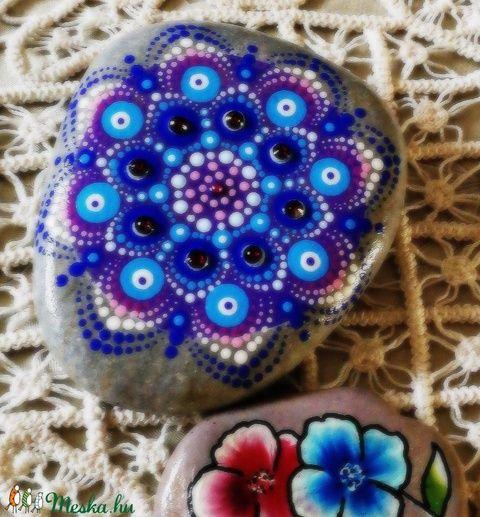 Rubin kristályokkal díszített mandala (aPiros) - Meska.hu