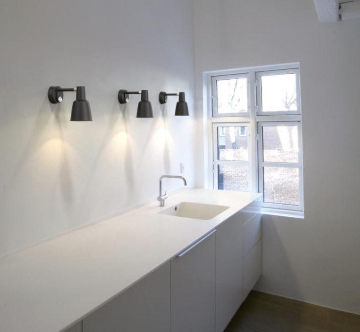 Patton en sänglampa i klassisk design. Designer Bønnelycke mdd. www.lampan.se  #patton #sänglampa #lampanse #vägglampa #bønnelycke #lampan #lampor #lampe #lamper #belysning #inredning #inspiration #scandinavian #nordichomes #nordicdesign #exclusive #premium #homestyling #levaochbo
