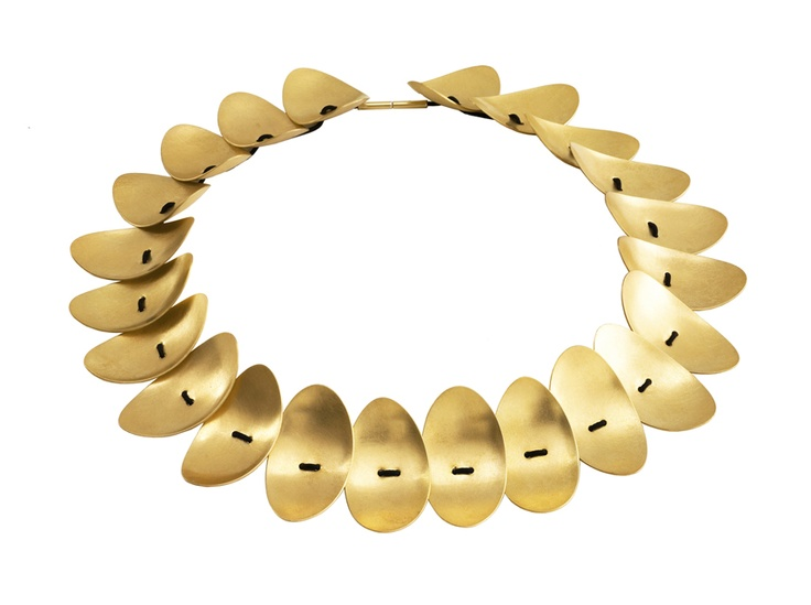 9 LEAVES LEFT collier. Handmade by HUNN/Karina Hunnerup