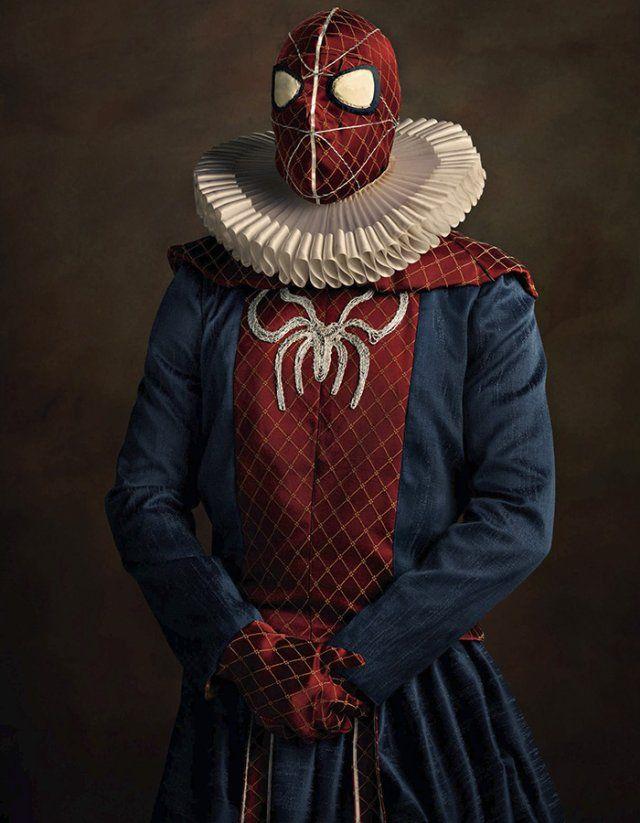 Железный Человек, Дарт Вейдер и Бэтмен нарядились в костюмы XVI века. Фотограф Саша Голдберг выяснил, подходят ли Халку панталоны и насколько обаятельна Женщина-кошка в средневековом платье.