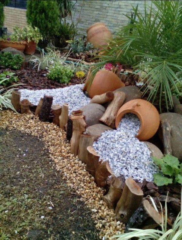 Verschütten von Blumentopfideen für die Landschaft. Egal, ob es sich um Brunnen handelt