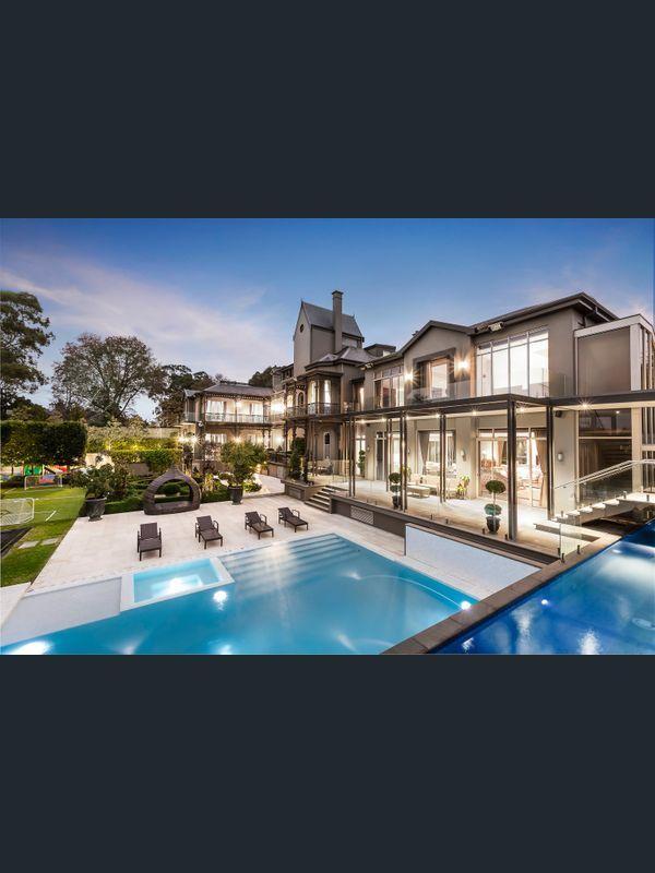 18 20 Shakespeare Grove Hawthorn Vic 3122 House For Sale Realestate Com Au House Exterior House Styles Luxury Homes