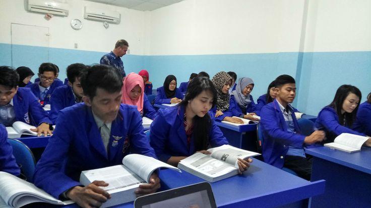 Akuntansi Asyik di Barat Jakarta, Ada kelas malam dan pagi, Biaya murah dan terjangkau, bisa sambil bekerja dan kuliah..... www.stiebpkp.blogspot.co.id