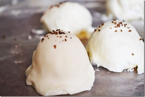 Rum Chata Truffles...love Rum Chata!!! @Erica Cerulo Cerulo Roberts is this excessive? Lol I think not